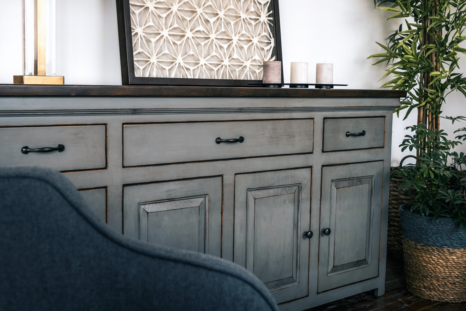 Image of: What S The Difference Between A Credenza Sideboard And Buffet Unruh Furniture
