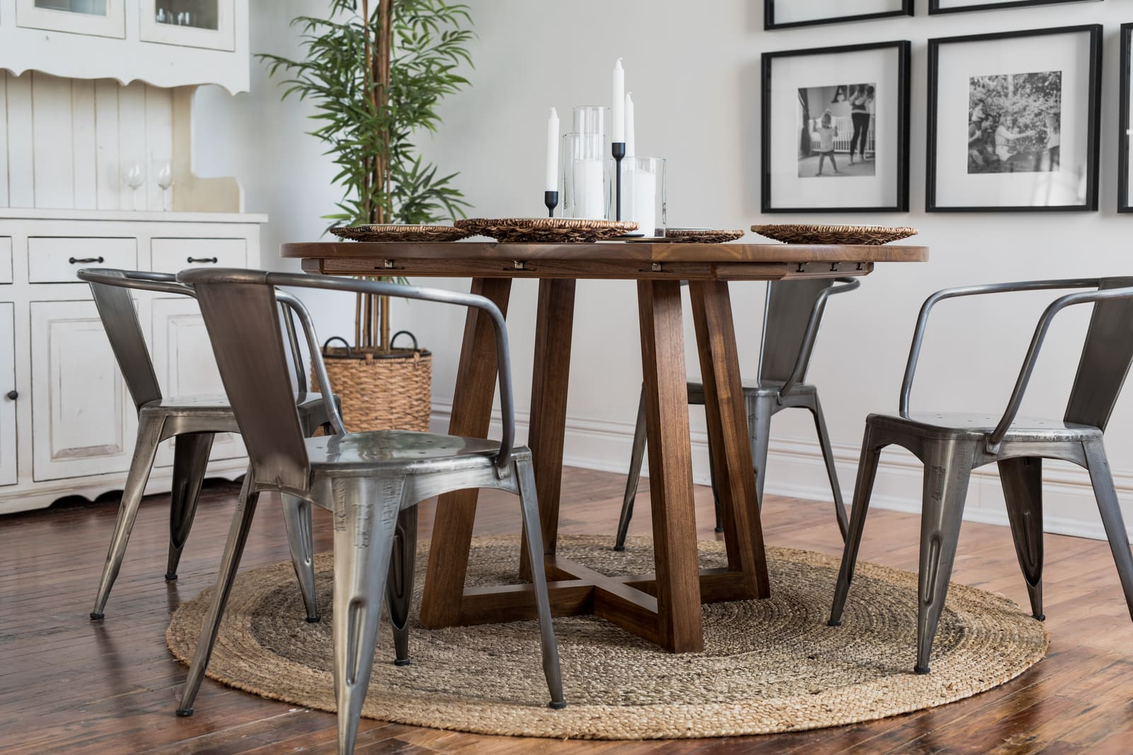 The Ward round table by Unruh for dining room