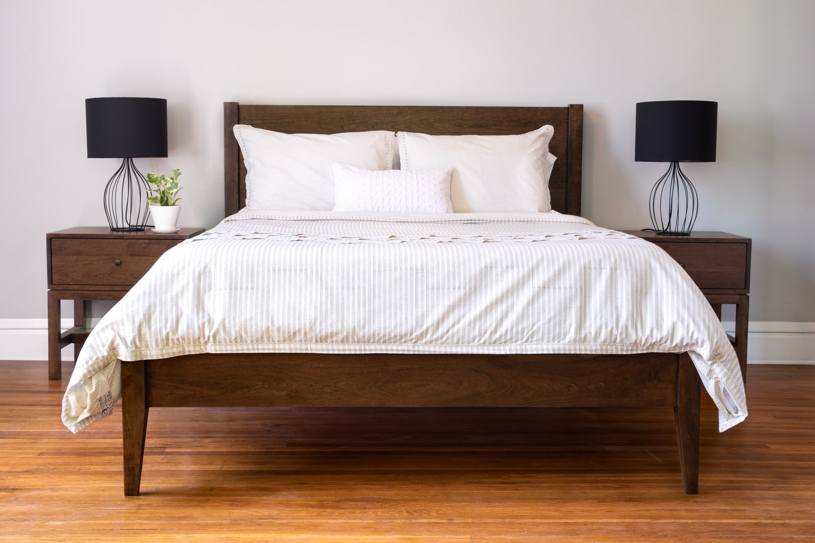 The Colby Bed by Unruh