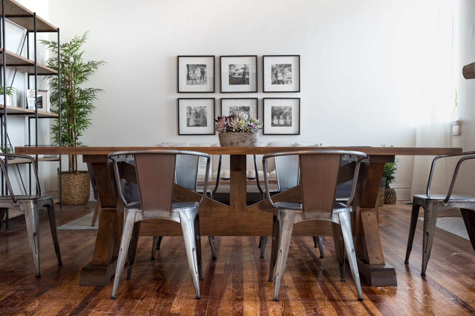 Unruh Furniture farmhouse dining table set