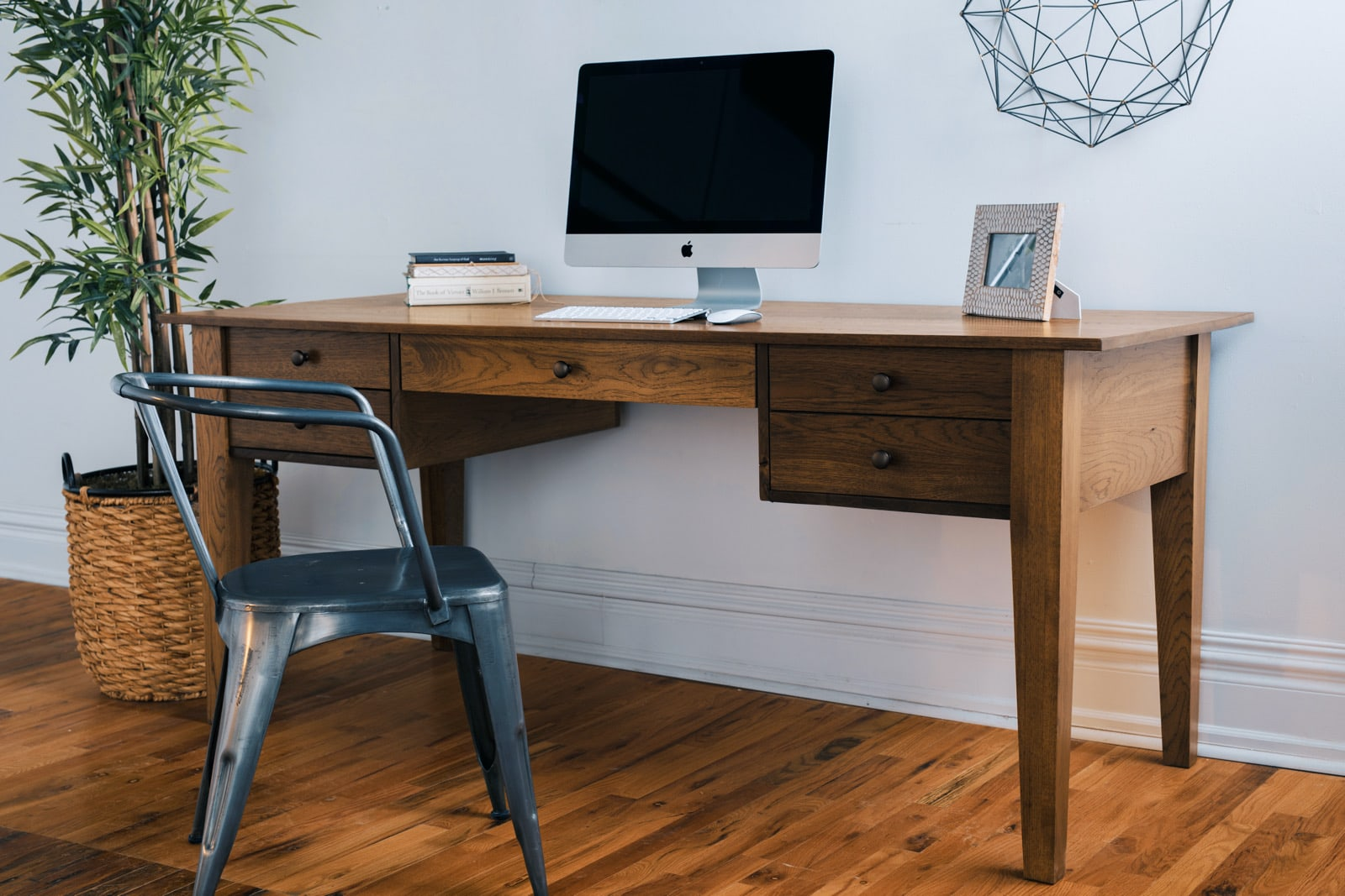 Office desk for small spaces