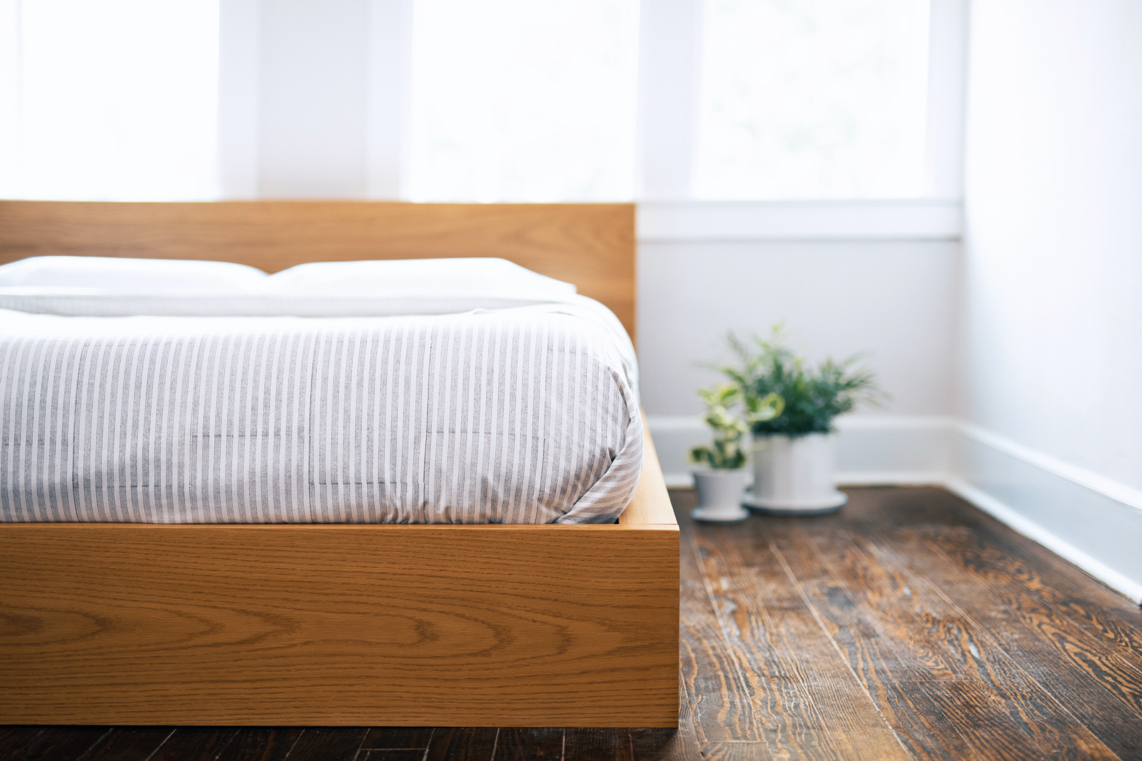 Westide Platform Bed
